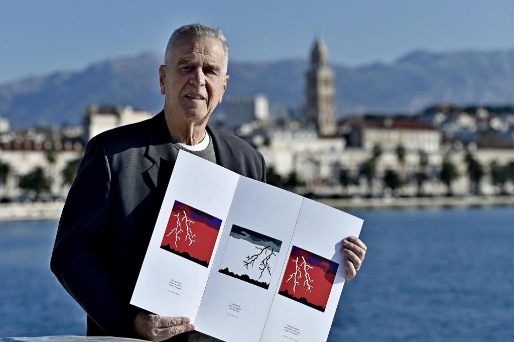 Mihovil Rismondo s jednom od svojih vizualnih interpretacija haiku pjesama