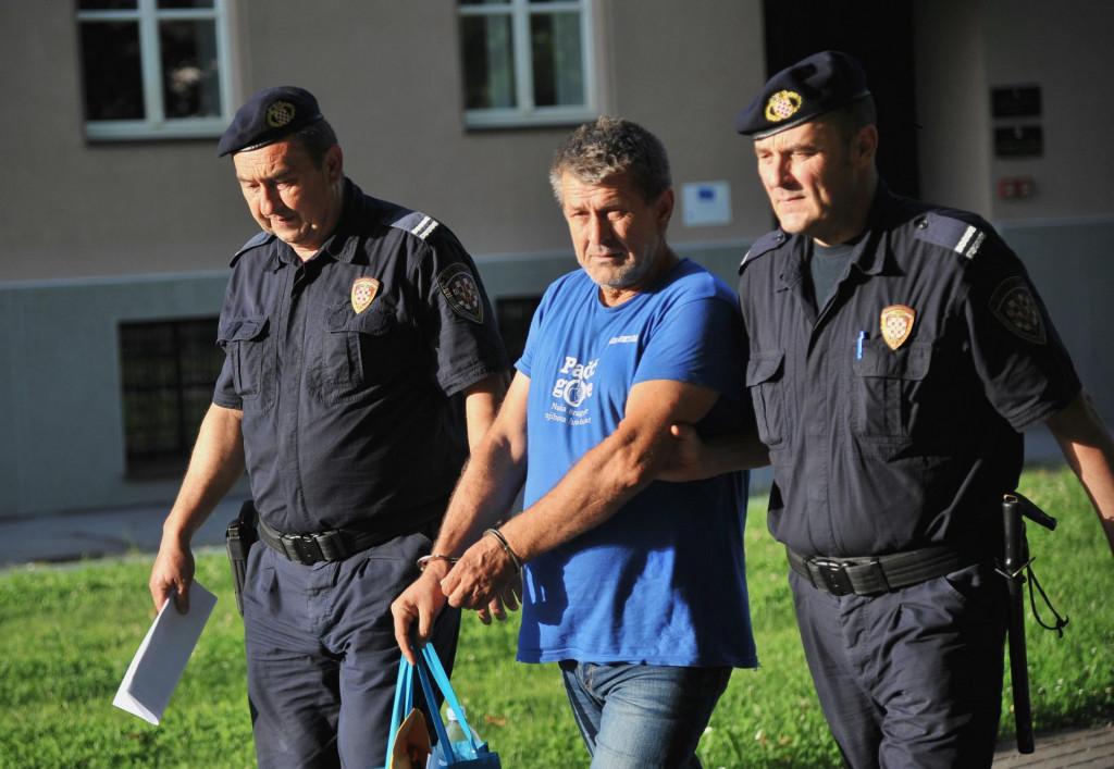 Odvođenje vozača, Ive Filipovića, koji je skrivio nesreću u Novskoj<br /> <br /> <br /> <br /> <br /> <br /> <br /> <br />