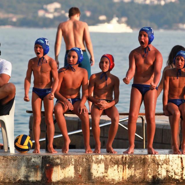 Slave mali Kapekaši. Ovako je bilo u podskupini Dubrovnik, a ovako je i na završnom turnir prvenstva Hrvatske za nade, koji se igra u Korčuli