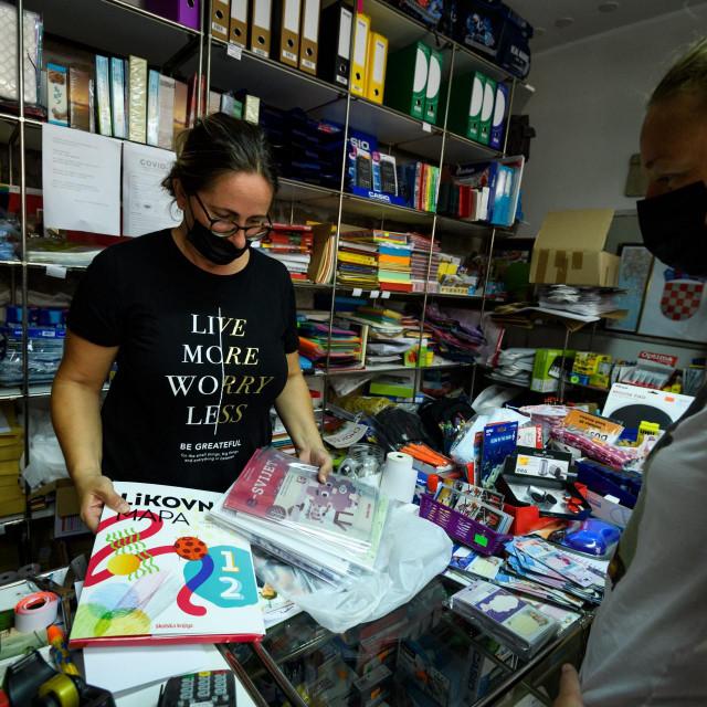 Prodaja školskih knjiga i pribora za novu školsku godinu