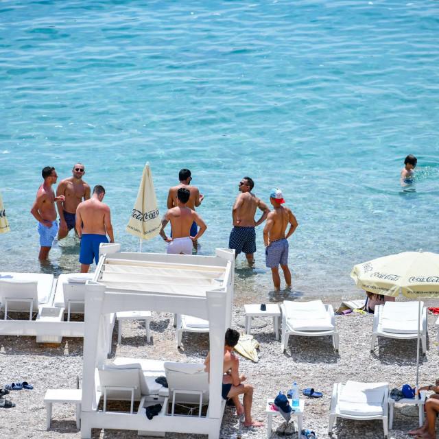 Kupači na plaži Banje