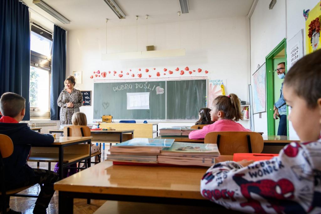 Prvi dan nove školske godine u prvom razredu OŠ Antuna Mihanovića - Petropoljskog područne škole Gradac.<br />