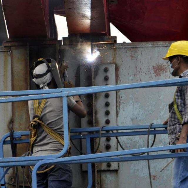 Indijci u Srbiji rade na velikim projektima, uglavnom kao pomoćni radnici, a često su zakinuti za plaću i radna prava