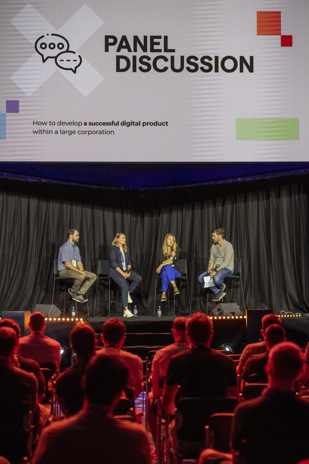 Panel diskusija na kojoj su sudjelovali Fedor Bauer (Erste Banka), Ana Zovko (Croatia osiguranje), Ivana Budin Arhanić (Vallmar) i moderator Nikola Vrdoljak (404)<br />