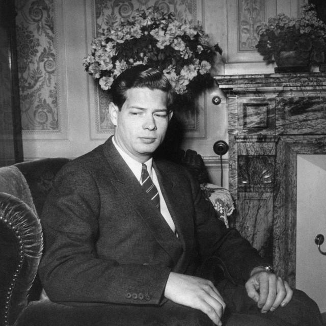 Kralj Mihael I., snimljen osam dana nakon protjerivanja 30. prosinca 1947. U zemlju se vratio tek 1997. godine<br /> <br />