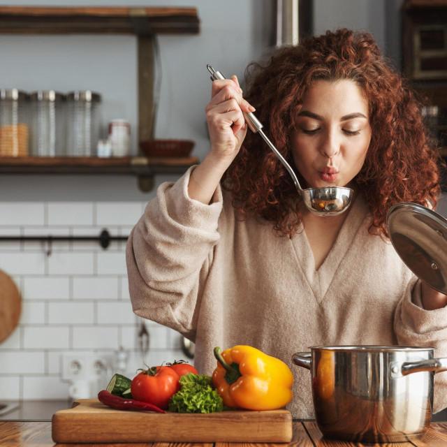Bez obzira na to želite li pripremiti tradicionalnu juhu od kostiju ili ćete odabrati vegetarijansku, kvaliteta juhe ovisi o kvaliteti sirovih sastojaka