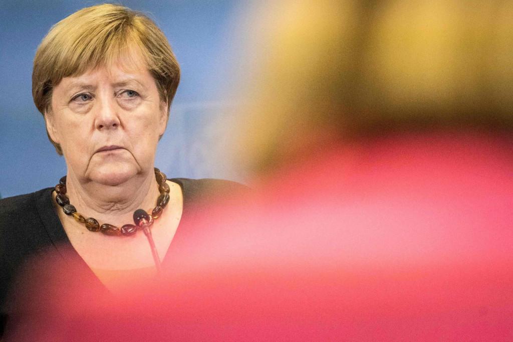 EU je pod utjecajem Merkel velikodušno ignorirala bujanje korupcije, gaženje neovisnog pravosuđa i pritisak na medije
