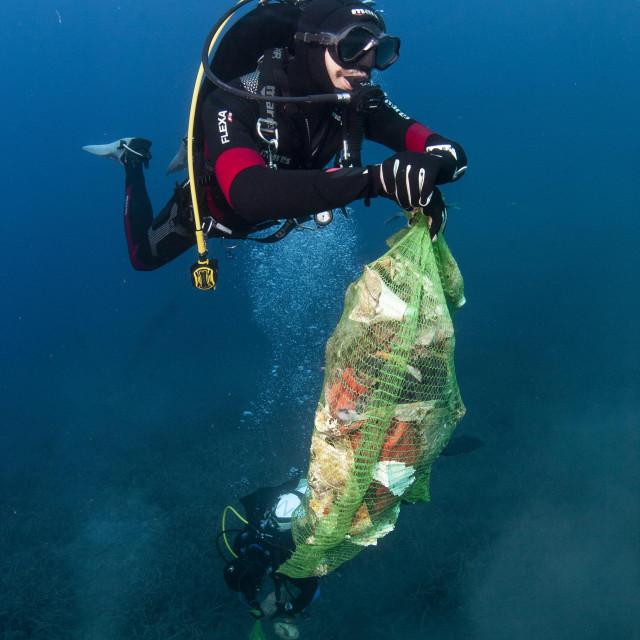 Čišćenje podmorja u kampu Zaglav