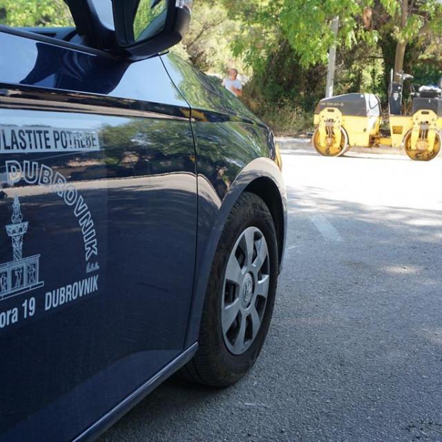 Na Liechtensteinovom putu u Dubrovniku zamijenjeno je 75 metara dotrajalog polietilenskog vodoopskrbnog cjevovoda novim cijevima od nodularnog lijeva