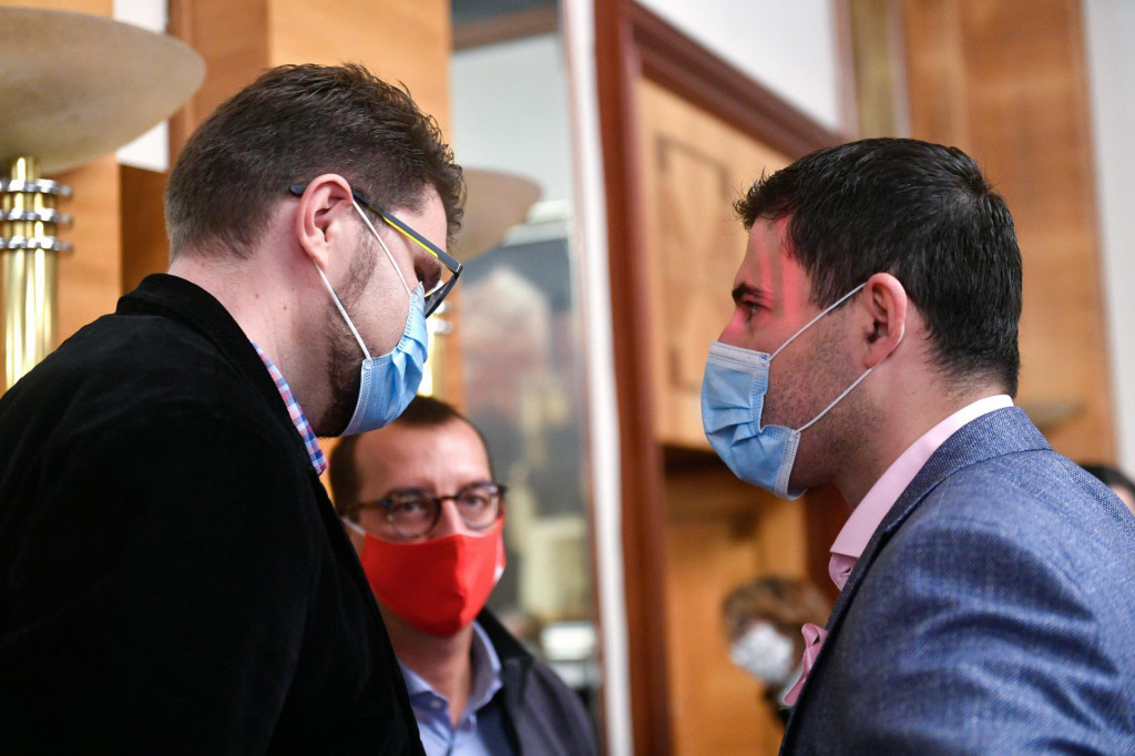 Na fotografiji: Peđa Grbin i Davor Bernardić<br />