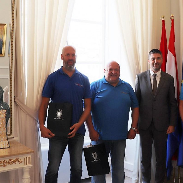 Automobilisti Dubrovnik Racinga na prijemu kod gradonačelnika - Maro Franić, Nikša Stahor, Mato Franković i Žarko Knego