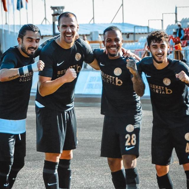 Slave nogometaši Umraniyespora - Ercan, Tomislav Glumac, Delle Valle i Kartal, mladi reprezentativac Turske, koji je na posudbi iz Bešiktaša