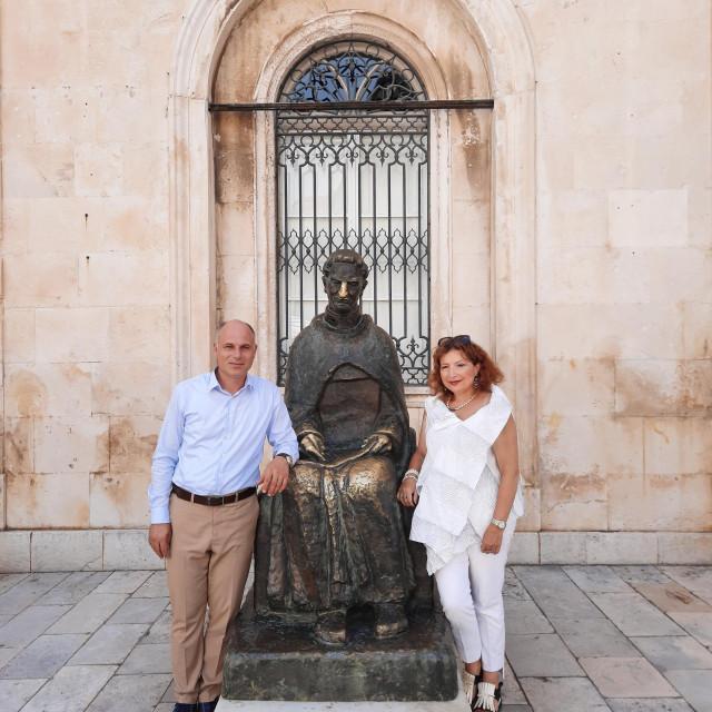 Nikša Matić i Katja Bakija s dum Marinom