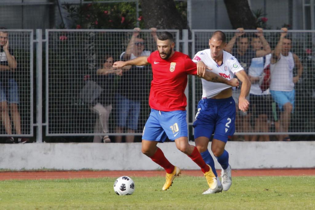 Nikola Katić debitirao je za Hajduk u prijateljskoj protiv Zmaja, a onda i u HNL-u protiv Istre