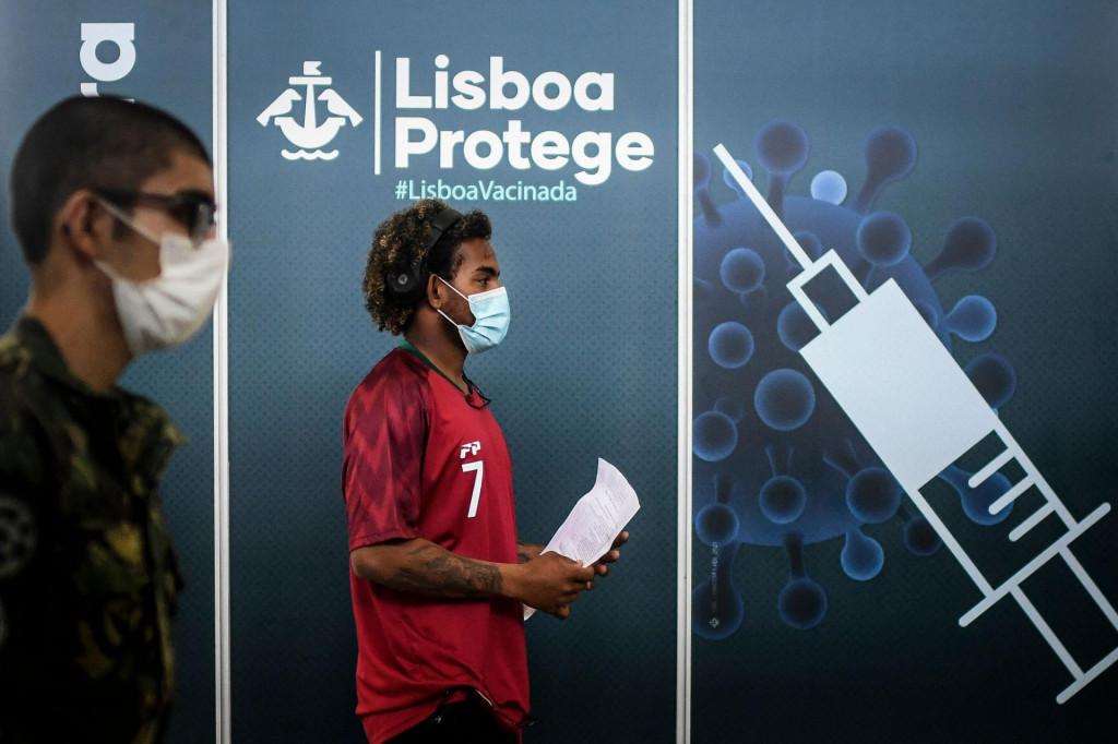 U Portugalu su u potpunosti cijepljeni gotovo svi odrasli stariji od 65 godina i polovica mladih u dobi od 12 do 17 godina