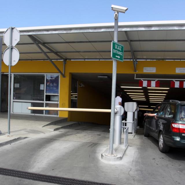 Javna garaža na Ilijinoj glavici sad se spominje u kontekstu duga za komunalnu naknadu