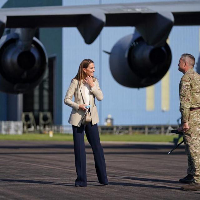 Kate Middletonstigla je u zračnu bazuKraljevskih zračnih snaga (RAF) Brize Norton usredišnjojEngleskoj