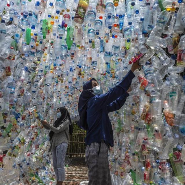 Prošle godine su svjetski znanstvenici iznijeli podatak kako bi se onečišćenje oceana plastikom mogloutrostručiti do 2040. godine
