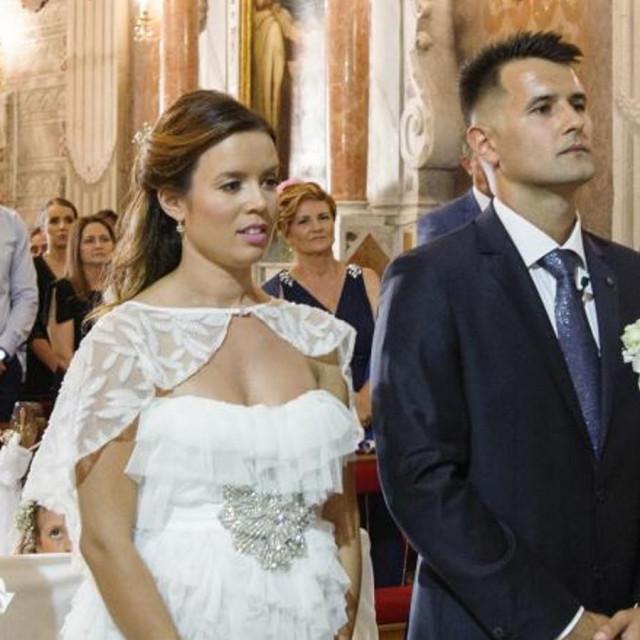 Ana Zaninović i Duje Đapić na dan vjenčanja