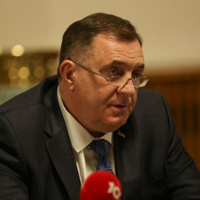 Milorad Dodik upustio se u vlastito, kontroverzno tumačenje povijesti