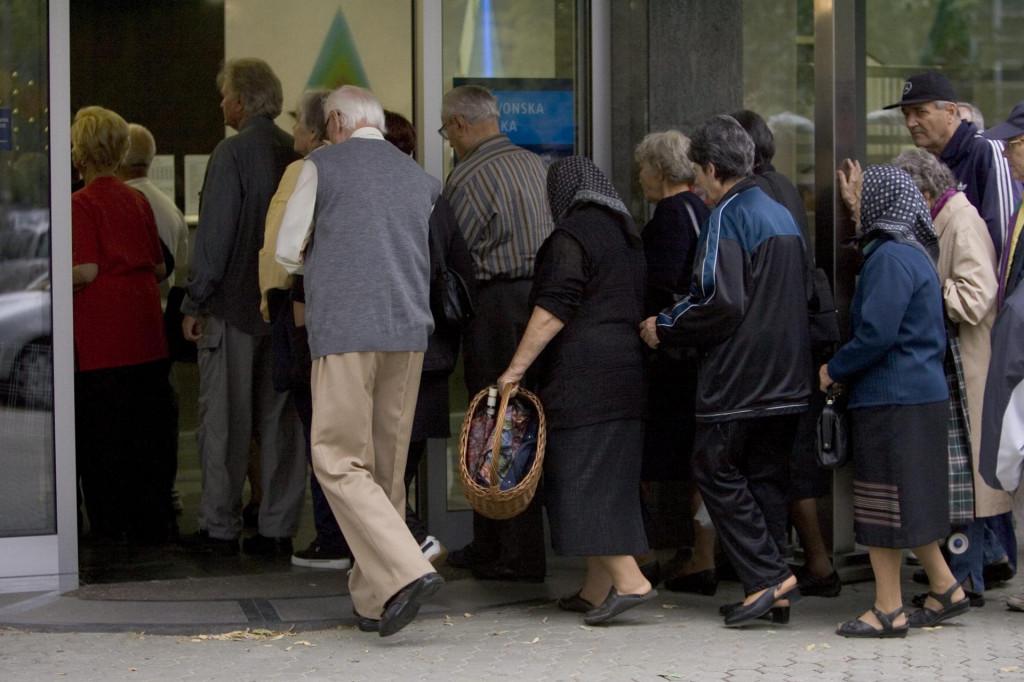 U srpnju bi trebala početi javna kampanja kojom se građanima objašnjava da ne pretvaraju kune u eure prije službenog uvođenja (ilustracija)