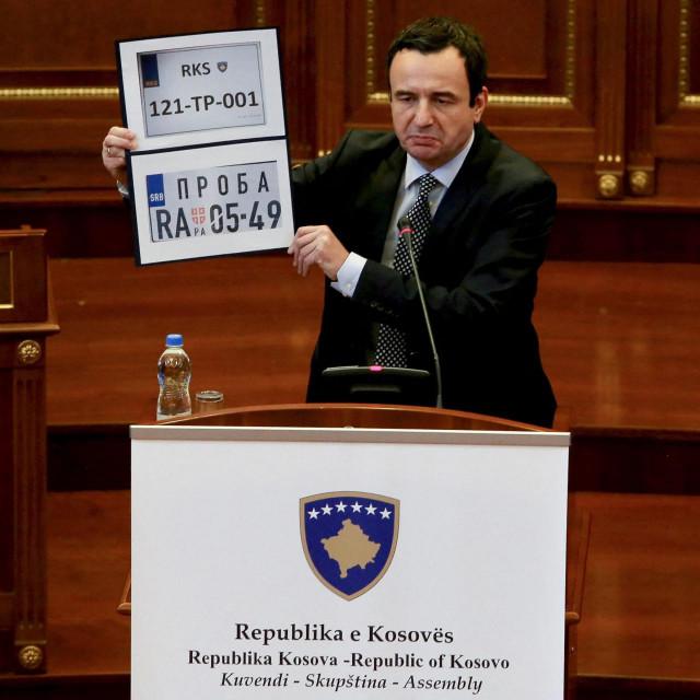 Odvajanje Kosova od Srbije nije bilo u skladu s međunarodnim pravom, pa njemačko veleposlanstvo mora biti zatvoreno, smatra njemačka Ljevica