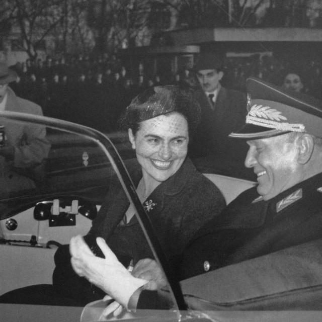 Tito i Jovanka snimljeni 1958. godine.Više puta je isticala kako je trpjela mnogo toga samo iz prkosa