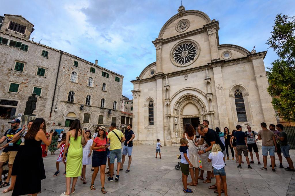Šibenske ulice pune turista