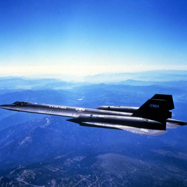 Lockheed SR-71 impresivan je u zraku, a još impresivniji kada nenajavljen sleti na vaše tlo