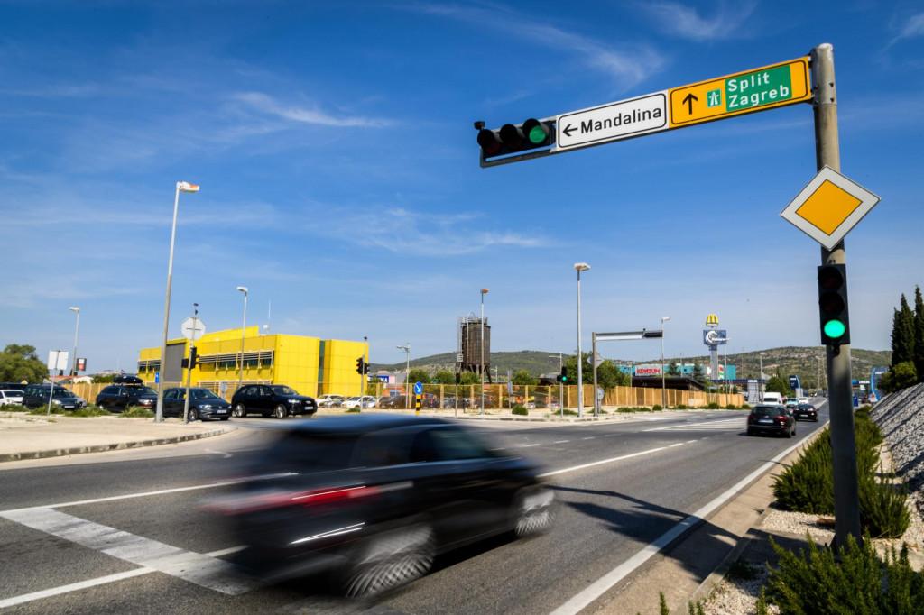 Semafor spoticanja i nervoze sudionika u prometu