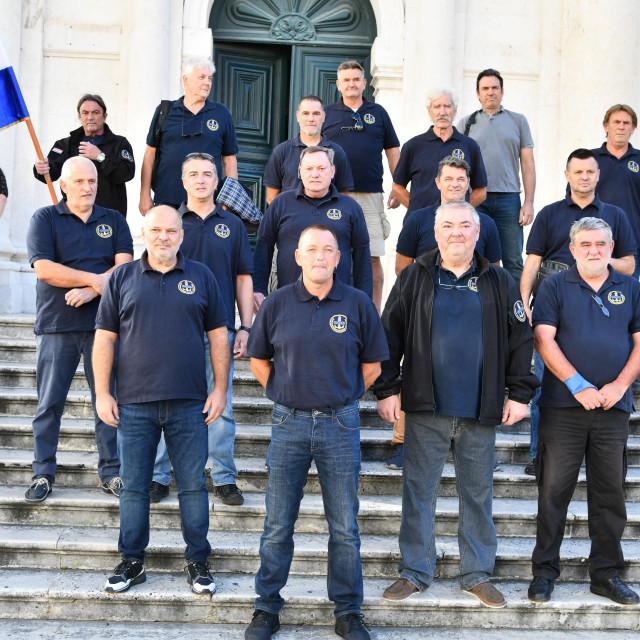 Postrojili se hrabri pripadnici Odreda naoružanih brodova Dubrovnik