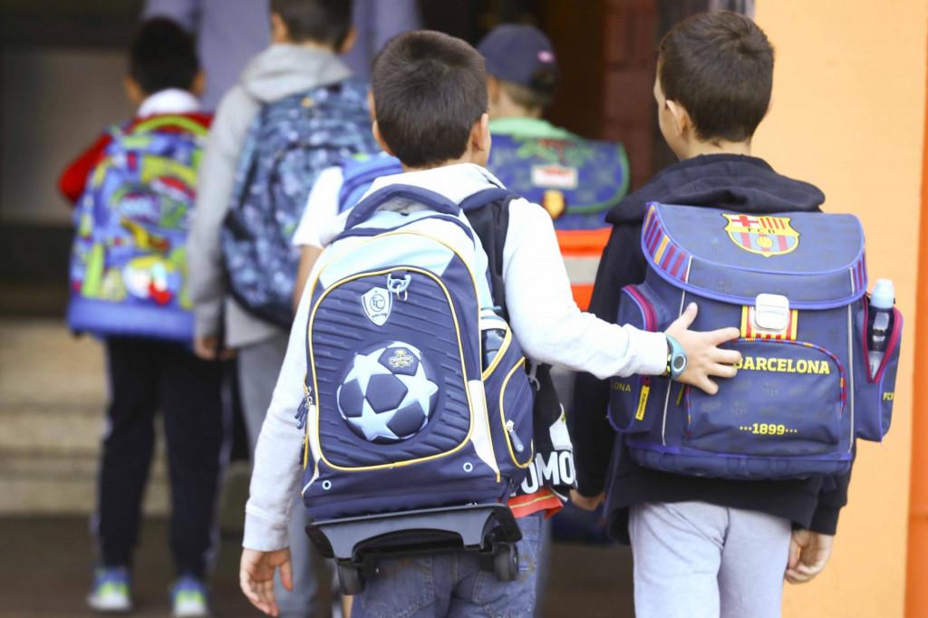 Među učenicima osnovnih škola, čak 24,60 posto je s prosjekom 5,0