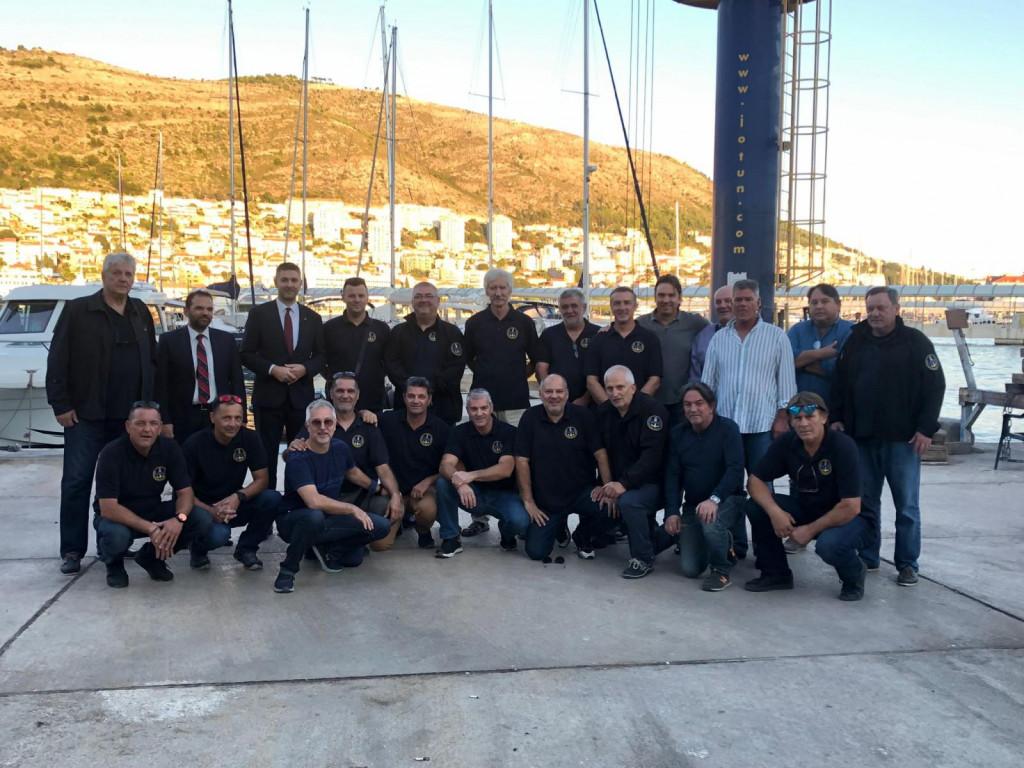 Polaganjem vijenaca i paljenjem svijeća obilježena 30. obljetnica osnutka Odreda naoružanih brodova