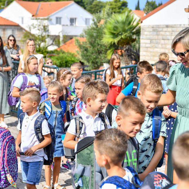 Priredba uz prvi dan nastave za prvašiće u OŠ Cavtat