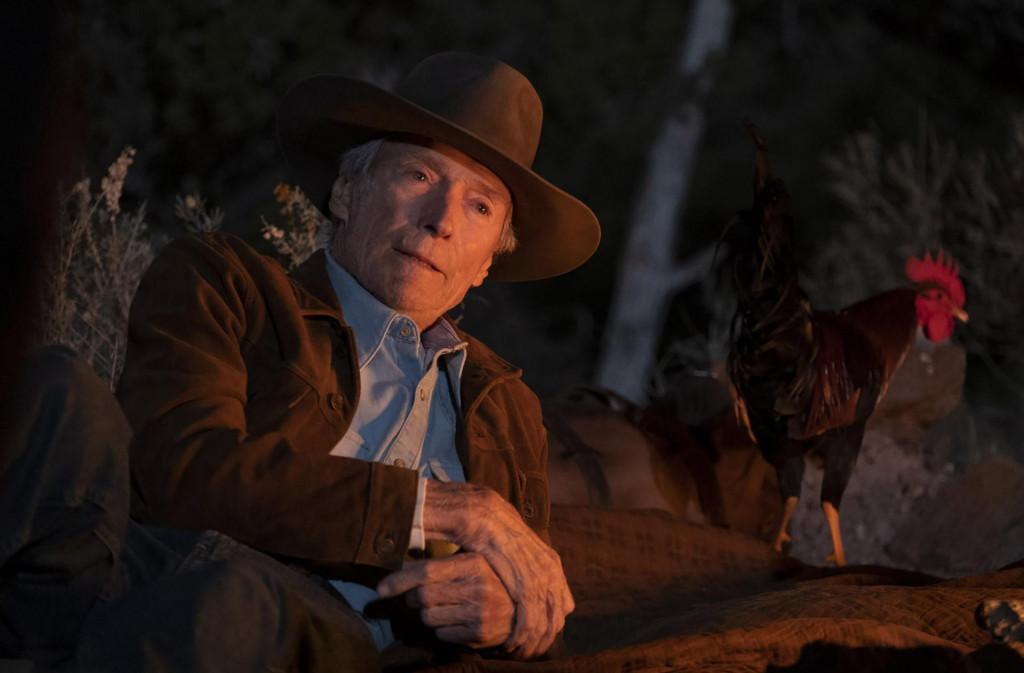 Clint Eastwood i u 91. godini zrači filmskom karizmom, a ni pijevac Macho nije za odbaciti