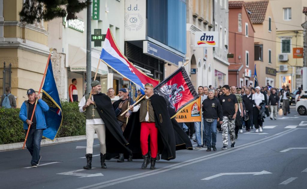 Mimohod branitelja ulicama Šibenika na 30. obljetnicu Rujanskog rata