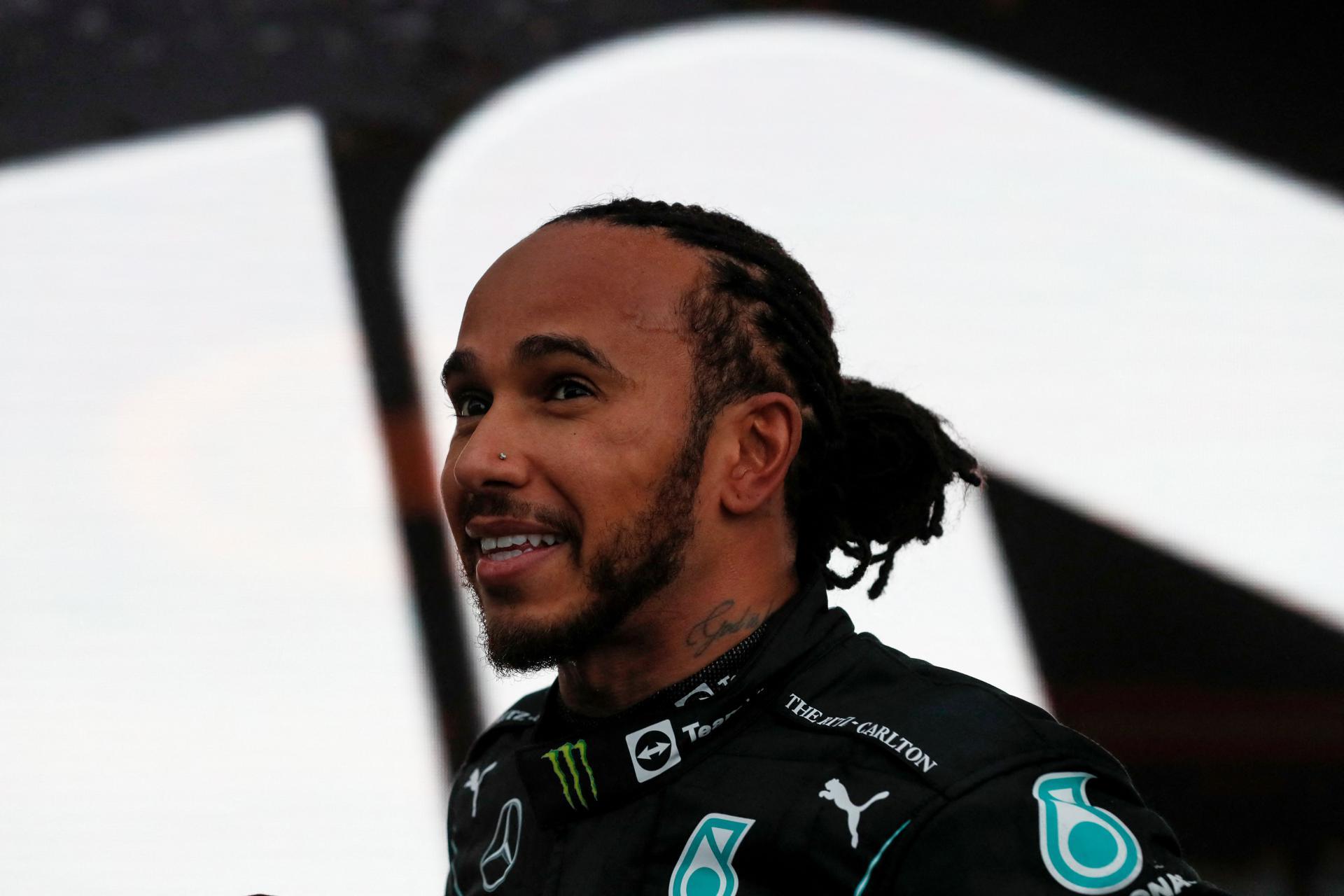 Lewis Hamilton slavio u Sočiju i postao prvi vozač u povijesti Formule 1 koji je stigao do 100 pobjeda