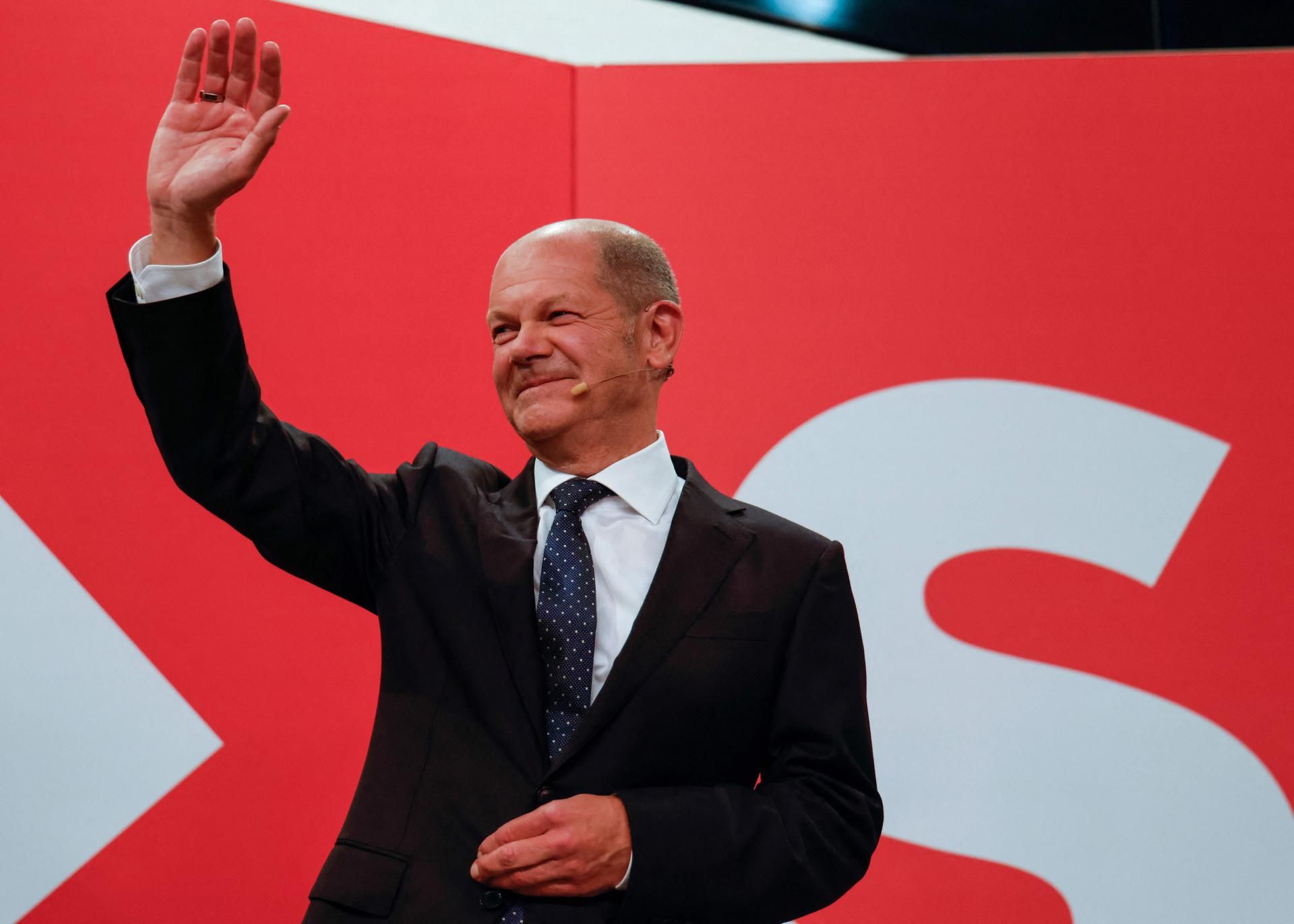 Najneizvjesniji izbori u novijoj povijesti Njemačke: SPD u blagoj prednosti pred CDU koji je doživio jak udarac, kreću koalicijski pregovori, mogu trajati mjesecima