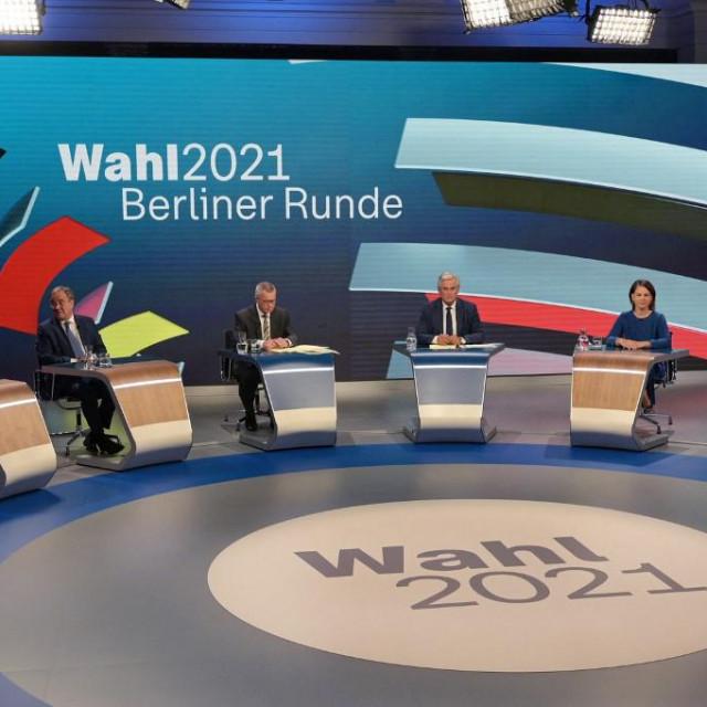 Markus Söder, Armin Laschet, moderatori Rainald Becker i Peter Frey, Annalena Baerbock, i Olaf Scholz