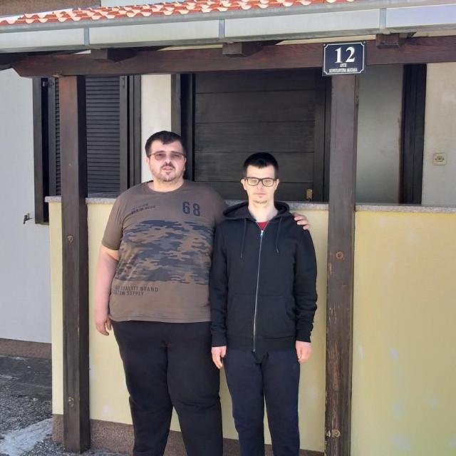 Šimun Samardžić s bratom i skrbnikom Zoranom
