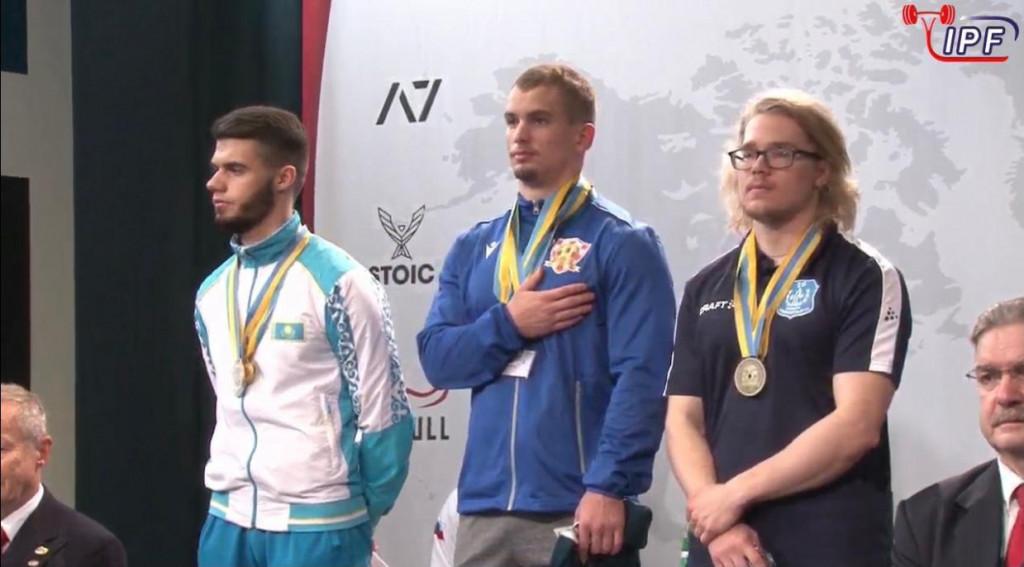 Teo Kalogjera svjetski je prvak u powerliftingu za kadete