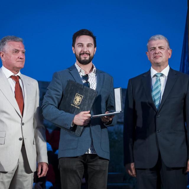 Gradonačelnik Željko Burić, predsjednik Gradskog vijeća Dragan Zlatović i Igor Bergam<br />