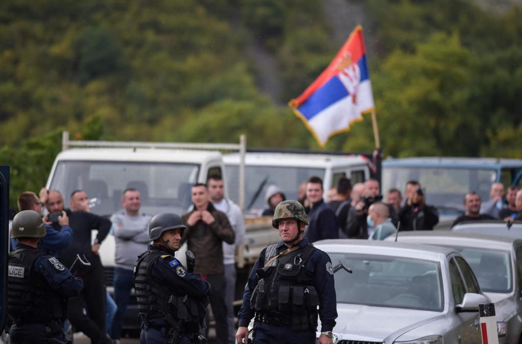 Grupa od petnaestak Srba sa sjeveru Kosova napadnuta je u ponedjeljak u južnom dijelu Kosovske Mitrovice dok je predavala dokumente u Agenciji za poljoprivredu (ilustracija)