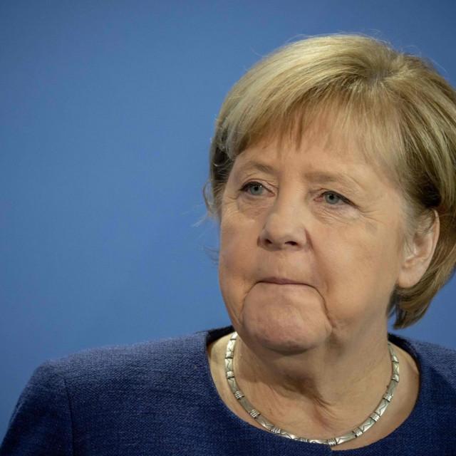 Brojnim potezima Merkel je doslovce servirala pobjedu SPD-ovu kandidatu Olafu Scholzu AFP