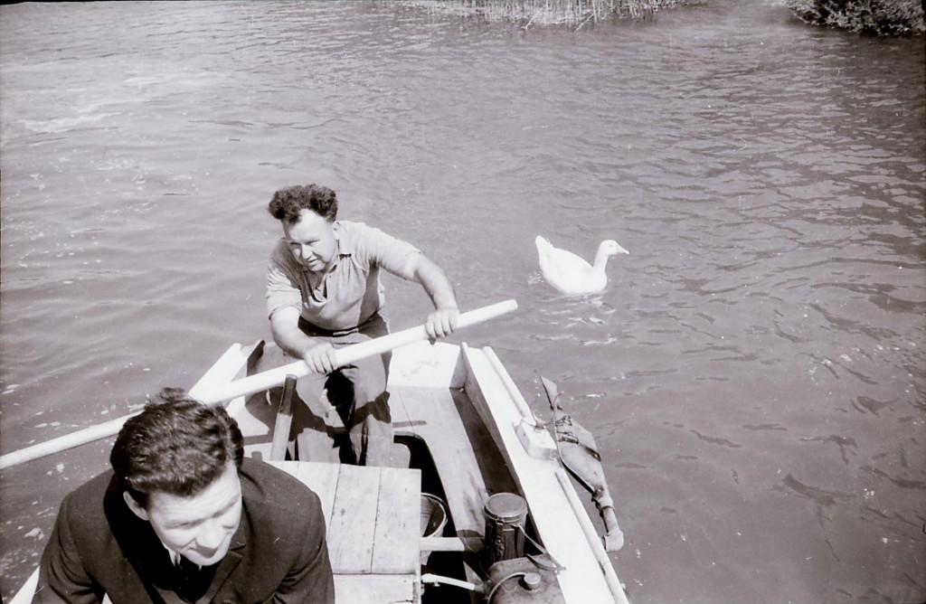 Pod slapovima nas je čamcem vozio Stipe Prpa, veliki ljubitelj prirode i djelatnik stare HE Roški slap