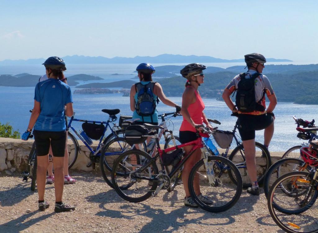 Pelješac se reklamira kao raj za bicikliste, a na mnogim mjestima nema uvjeta za njihovu sigurnu vožnju