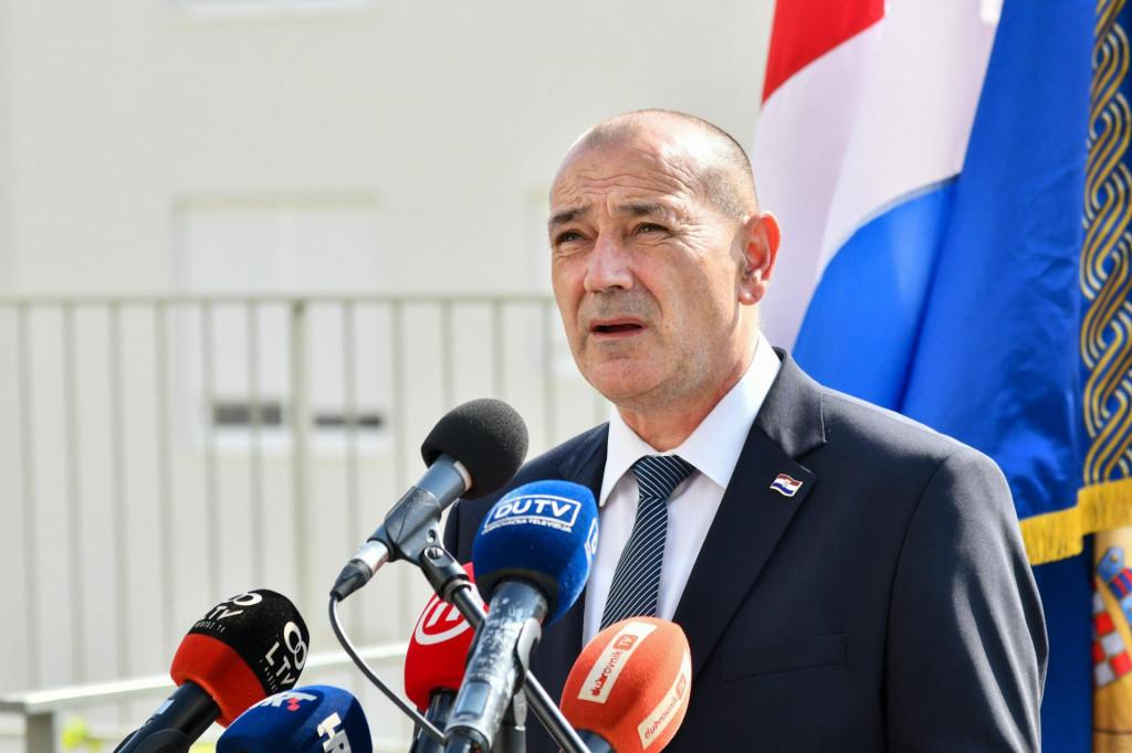 Ministar Medved