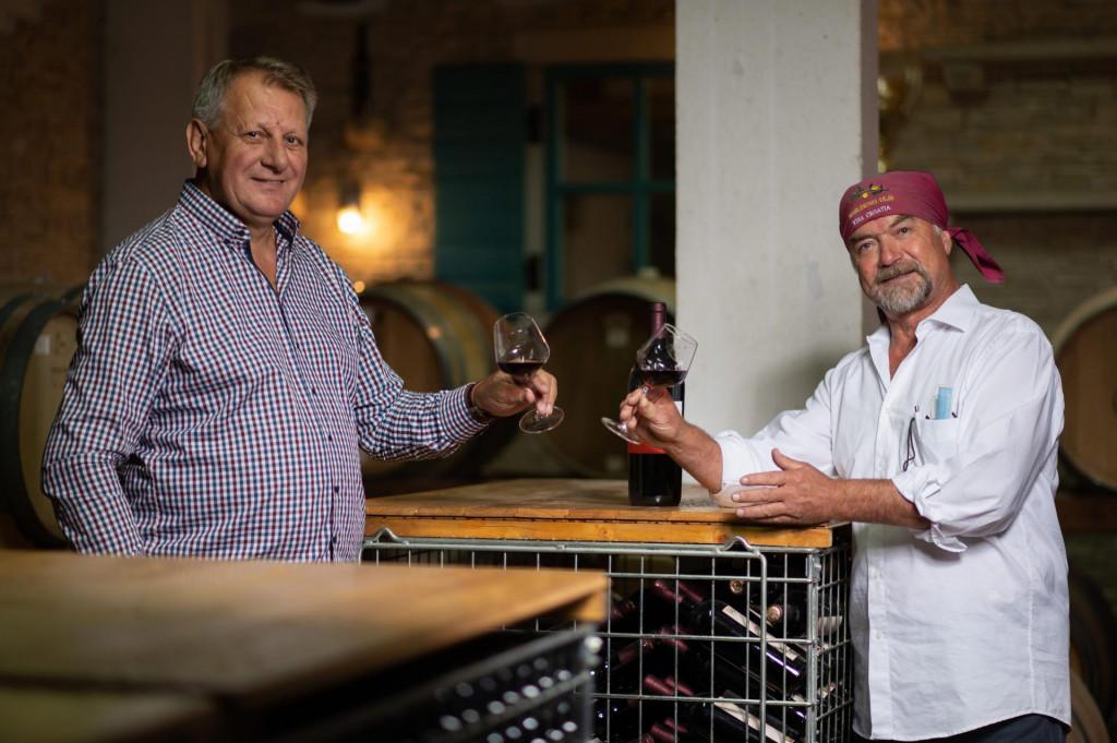 Željko Baradić i Radoslav Bobanović danas uživaju u dobrom vinu, plodu ruku svojih