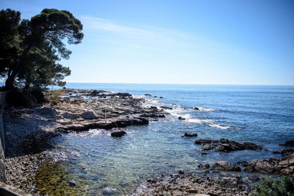 otok Lokrum, prvi na ljestivi najboljih nudističkih plaža