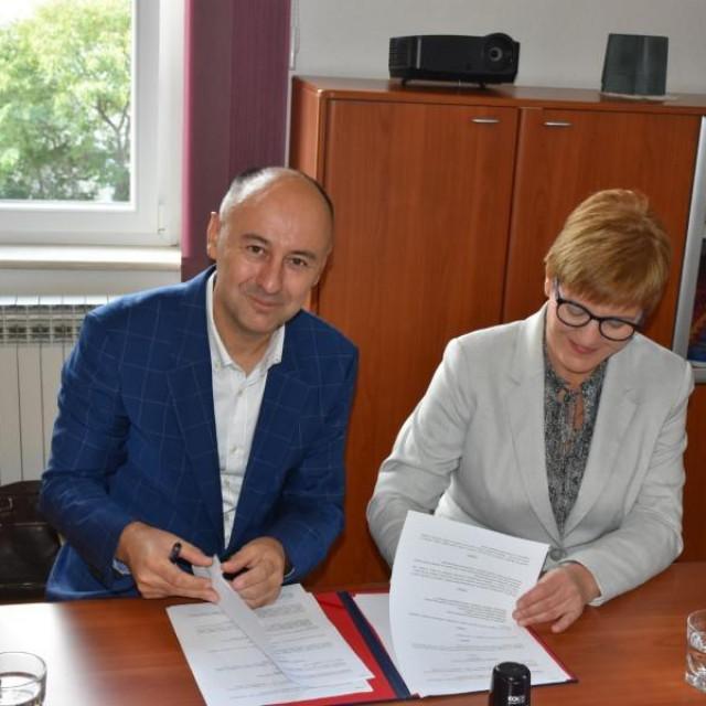 Potpisan ugovor između Opće bolnice Šibenik i Medicinskog fakulteta u Rijeci